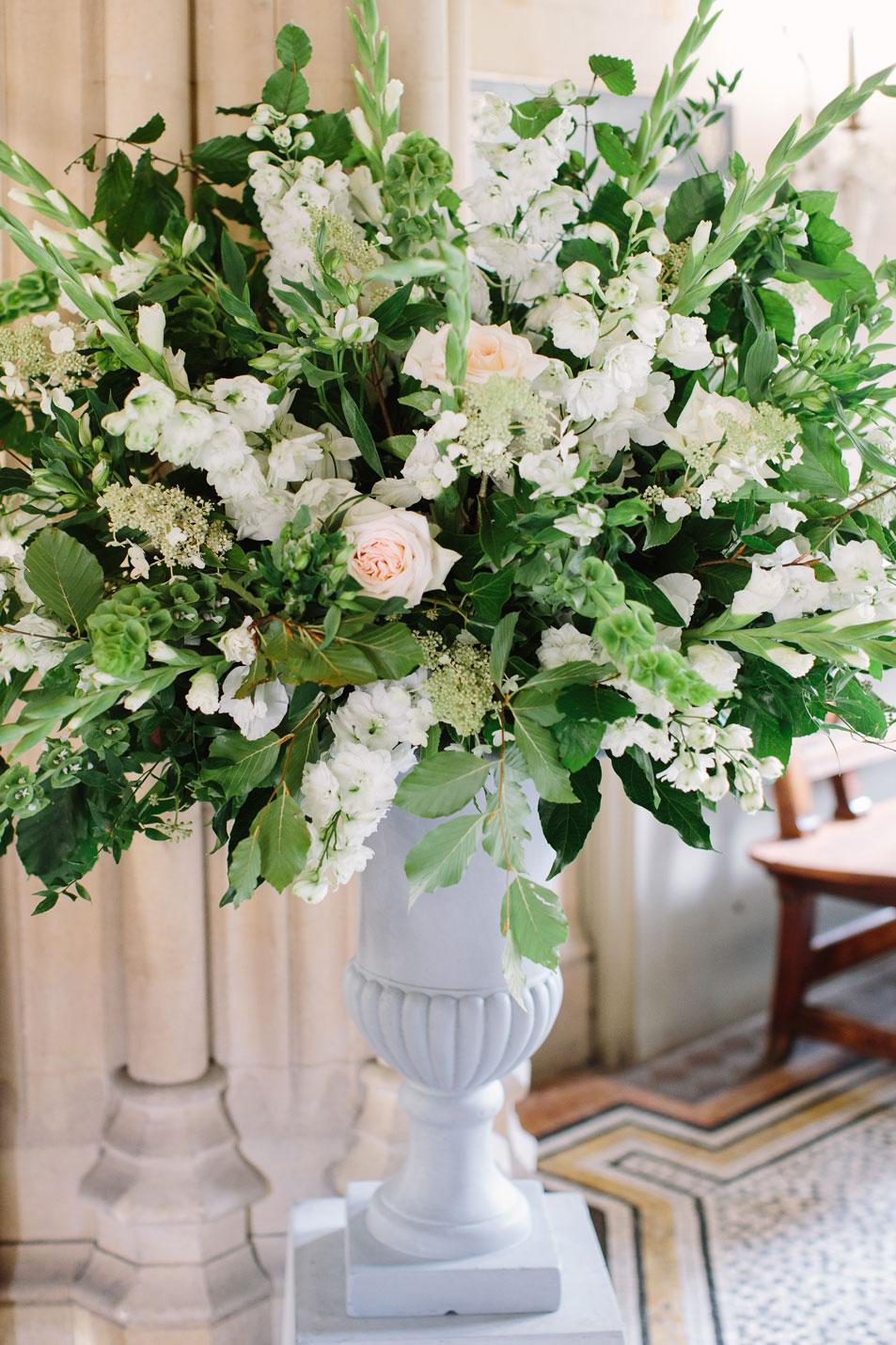 sarah-harper-floral-design-luxury-wedding-florist-flowers-oxfordshite-cotsworlds-gallery-elsbeth-sam-73_ES_Hi_Res_B