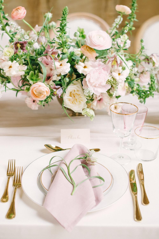 Sarah-harper-floral-design-portfolio-flowerssarah_harper_hannah_duffy_the_timeless_stylist_oxford-101-223